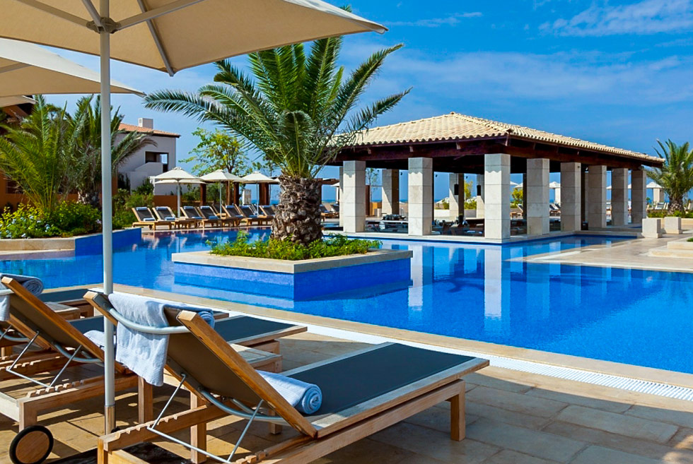 The Romanos, a Luxury Collection Resort. Hotel in Costa Navarino. Discover Greece.